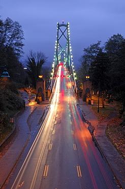 The Lions' Gate bridge at dawn, Vancouver, British Columbia