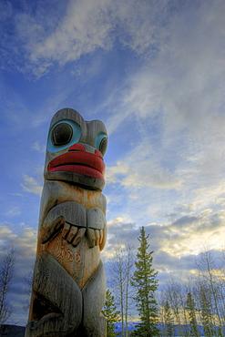 Clan pole, Totem Pole, Teslin, Yukon