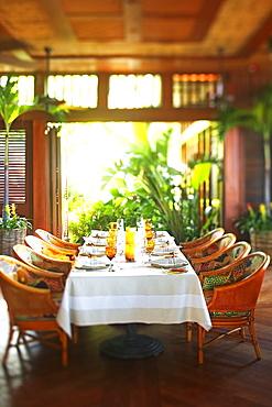 Hawaii, Four Seasons Dining room.