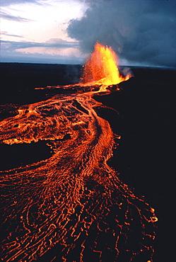 Hawaii, Big Island, Kilauea Volcano, PuuOo vent eruption at twilight, lava flows C1630