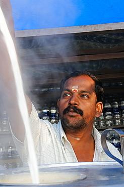 Making chai, Indian style, Tanjore, Tamil Nadu, India, Asia
