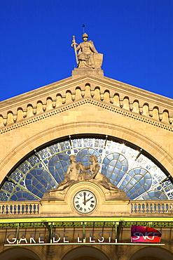 Entrance to Gare de L'Est, Paris, France, Europe