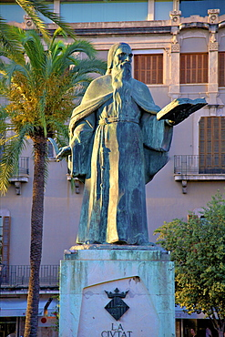 Ramon Llull Statue, Palma, Mallorca, Spain, Europe