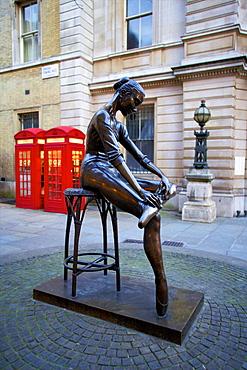 Statue of Young Dancer, Royal Opera House, London, England, United Kingdom, Europe