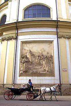Horse drawn carriage, St. Peter's Church, Vienna, Austria, Europe
