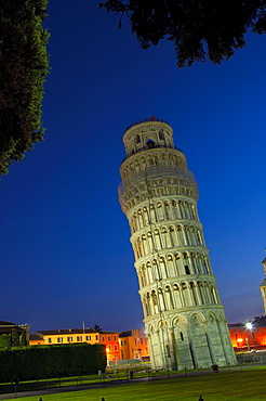 Leaning Tower of Pisa, Piazza dei Miracoli, Pisa, Tuscany, Italy / campanile