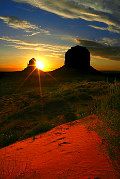 Table mountains at sunrise, Monument Valley state park, Arizona, USA