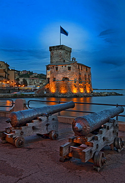 Canons in front of castle, built 1551, harbour of Rapallo, province Genoa, Ligury, Italy
