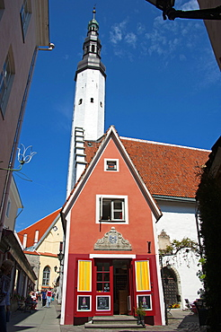 Little red house, Church of the Holy Ghost, Tallinn, Estonia, Baltic states, Europe / Church of the Holy Spirit, old town