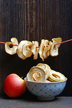 Dried apple slices, variety Gala