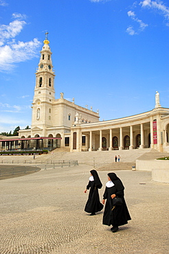 Nuns, Sanctuary of Our Lady of Fatima, Fatima, Portugal / Basilica of Our Lady of the Rosary, Santuario de Fatima