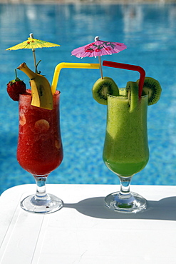 Strawberry and kiwi fruit juice drink, Side, Anatolia, Turkey, Asia Minor, Eurasia