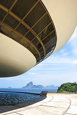 Niemeyer Museum of Contemporary Arts, and view over Sugar Loaf and Guanabara Bay, Niteroi, Rio de Janeiro, Brazil, South America