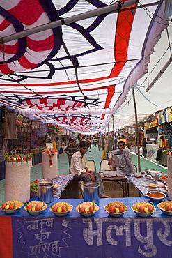 Gandhi Chowk Markets, Jaisalmer, Western Rajasthan, India, Asia