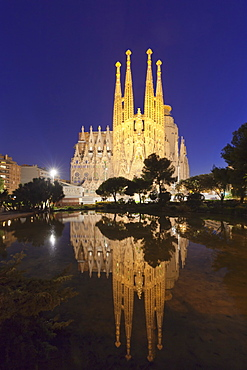 Sagrada Familia, by architect Antonio Gaudi, UNESCO World Heritage Site, Barcelona, Catalonia, Spain, Europe
