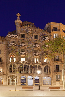 Casa Batllo, Antonio Gaudi, Modernisme, UNESCO World Heritage Site, Passeig de Gracia, Eixample, Barcelona, Catalonia, Spain, Europe