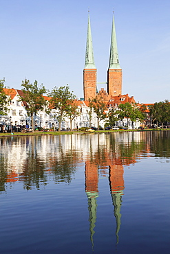 Cathedral reflected in the River Trave, Stadttrave, Lubeck, Schleswig Holstein, Germany, Europe