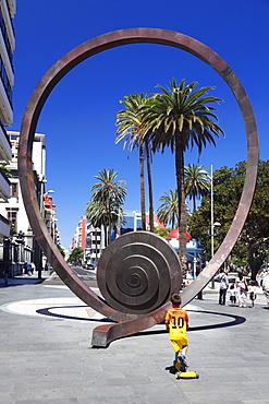 Sculpture at Calle Mayor de Triana, Las Palmas, Gran Canaria, Canary Islands, Spain, Europe