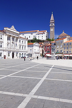 Old town with Tartini Square, townhall and the cathedral of St. George, Piran, Istria, Slovenia, Europe