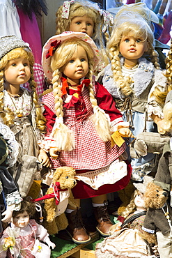 Traditional dolls and teddies on sale in Geschenkehaus shop in the town of Seefeld in the Tyrol, Austria, Europe