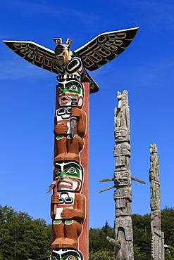 First Nation Totem Poles, Original Namgis Burial Grounds, Alert Bay, Cormorant Island, Inside Passage, British Columbia, Canada, North America