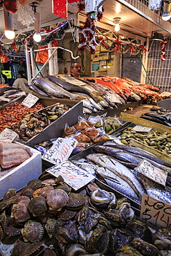 Attractive fresh fish stall, Mercado Central (Central Market), Santiago Centro, Santiago de Chile, Chile, South America