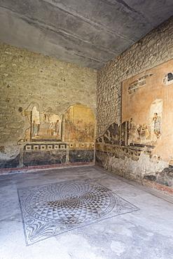 Public sitting room mosaic, frescoed walls in House of Amorini Dorati (Golden Cupids), Pompeii, UNESCO World Heritage Site, Campania, Italy, Europe