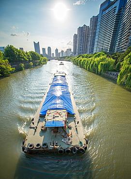 Ships on Grand Canal (Da Yun He), Hangzhou, Zhejiang, China, Asia - 1171-264