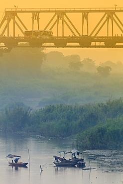 Iron bridge over the Red River in Hanoi, Vietnam, Indochina, Southeast Asia, Asia