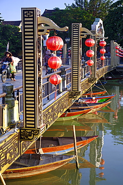 The Lantern Bridge over the Thu Bon River in the historic centre, Hoi An, UNESCO World Heritage Site, Vietnam, Indochina, Southeast Asia, Asia