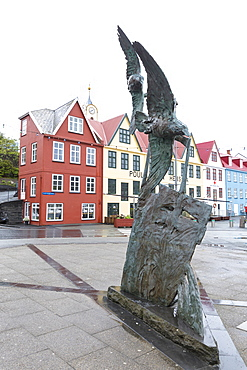 Statue and typical houses in the city centre of Torshavn, Streymoy Island, Faroe Islands, Denmark, Europe