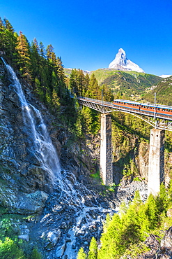 Gornergrat Bahn train on viaduct with Matterhorn in the background, Zermatt, canton of Valais, Switzerland, Europe