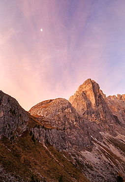 Pink sky at dawn on the peaks of Forcella De Furcia, Funes Valley, South Tyrol, Dolomites, Italy, Europe