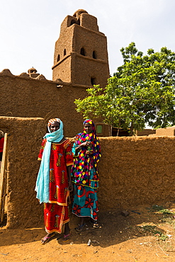 Coloufully dressed Hausa women in Yaama, Niger, West Africa, Africa