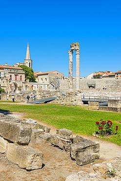 Arles Roman Ruins, Arles, UNESCO World Heritage Site, Bouches du Rhone, Provence, Provence-Alpes-Cote d'Azur, France, Europe
