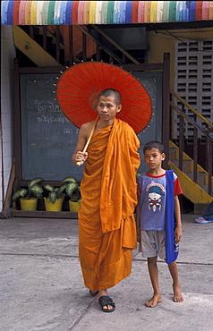 Thai 03 (15) thailand burmese refugee monk and child wat prok, bangkok