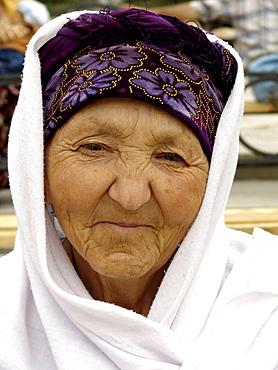 Uzbekistan old lady of samarkand