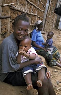 Kenya woman & child of kibera, nairobi
