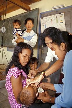 Cambodia vaccination of infant, phnom