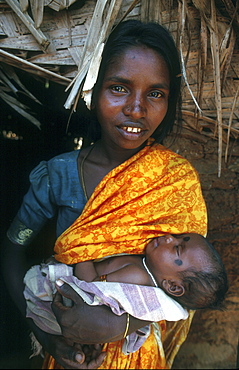 India - slavery mother & child, bonded laborers of palani, tamil