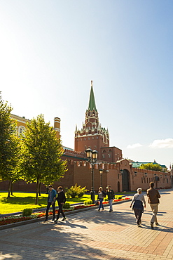 Alexander Garden with the Kremlin in the background, Moscow, Russia, Europe