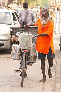 Street scene, Mumbai, Maharashtra, India, South Asia