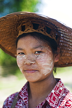 Thanaka cream, ground from tree bark, has been used in Burma for thousands of years, it also acts as protection from the sun, Myanmar (Burma), Asia