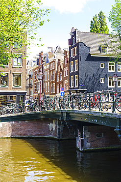 The Nine Streets district (De Negen Straatjes), a neighbourhood of quirky shops and restaurants, Amsterdam, North Holland, The Netherlands, Europe