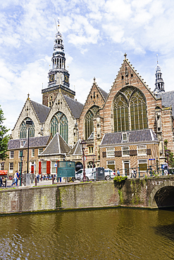 Oude Kerk (Old Church), the oldest building in the city dates from 1306, Amsterdam, North Holland, The Netherlands, Europe