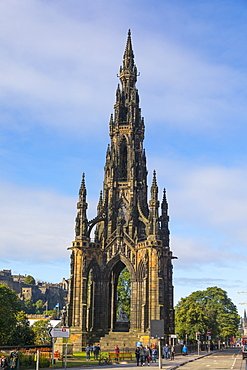 Sir Walter Scott Monument, Princes Street, Edinburgh, Scotland, United Kingdom, Europe