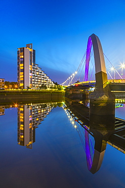 Clyde Arc (Squinty Bridge) at sunset, River Clyde, Glasgow, Scotland, United Kingdom, Europe