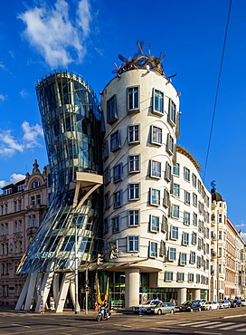 Dancing House, Nove Mesto (New Town), Prague, Bohemia Region, Czech Republic, Europe