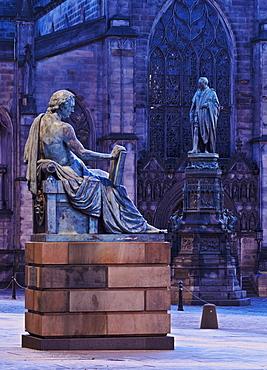 Twilight view towards St. Giles Cathedral, Edinburgh, Lothian, Scotland, United Kingdom, Europe