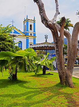View of the Exaltacao da Santa Cruz Church, Ubatuba, State of Sao Paulo, Brazil, South America
